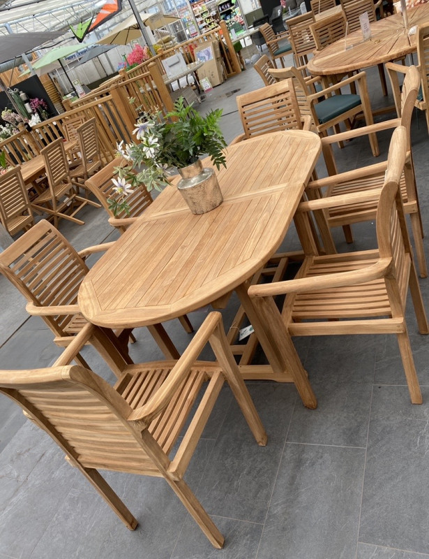 6 Seater Oval Extendable Table Dining Set - Ex Display