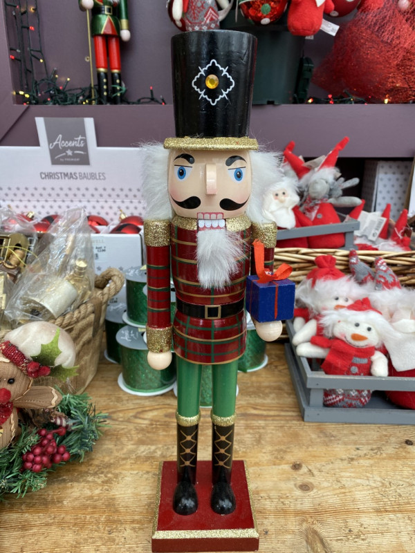 Christmas nutcracker Medium